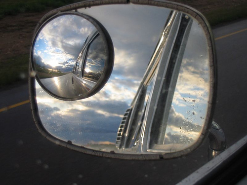 45927407_4fa521d809_rear-mirror